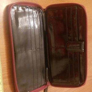 Kenneth Cole Bags - Genuine Leather Zipper Wallet